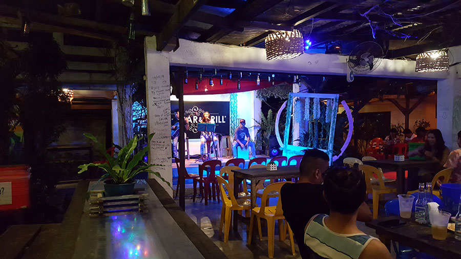 Cauti Bar & Grill - Sabang Beach Baler