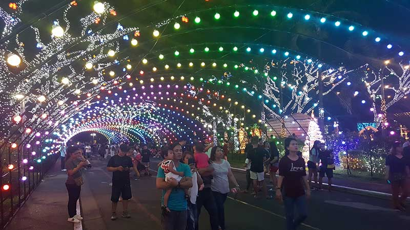"Meralco ""Liwanag Park"" - Take Your Family Here This Christmas Season"