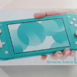 Unboxing Nintendo Switch Lite (Turquoise)