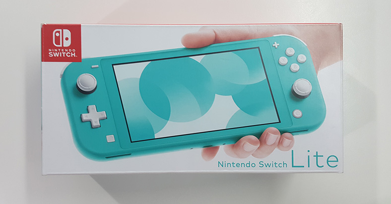 Unboxing Nintendo Switch Lite