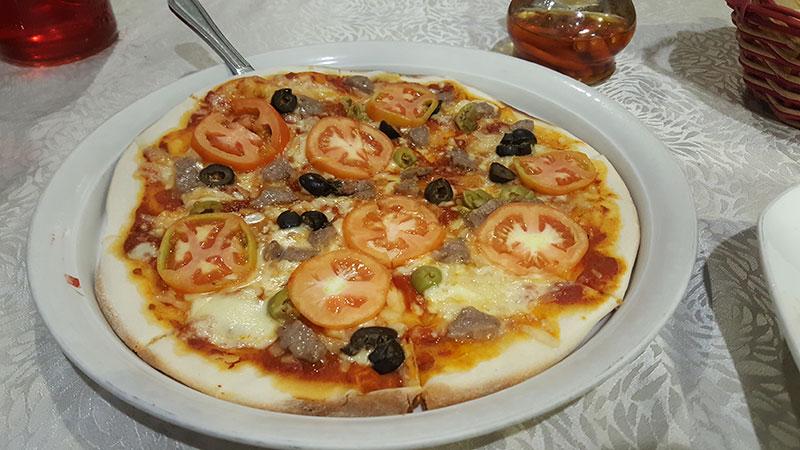 Bellini's Alla Rustica pizza